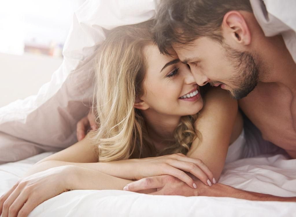 powerful man is penetrating four passionate women  485785